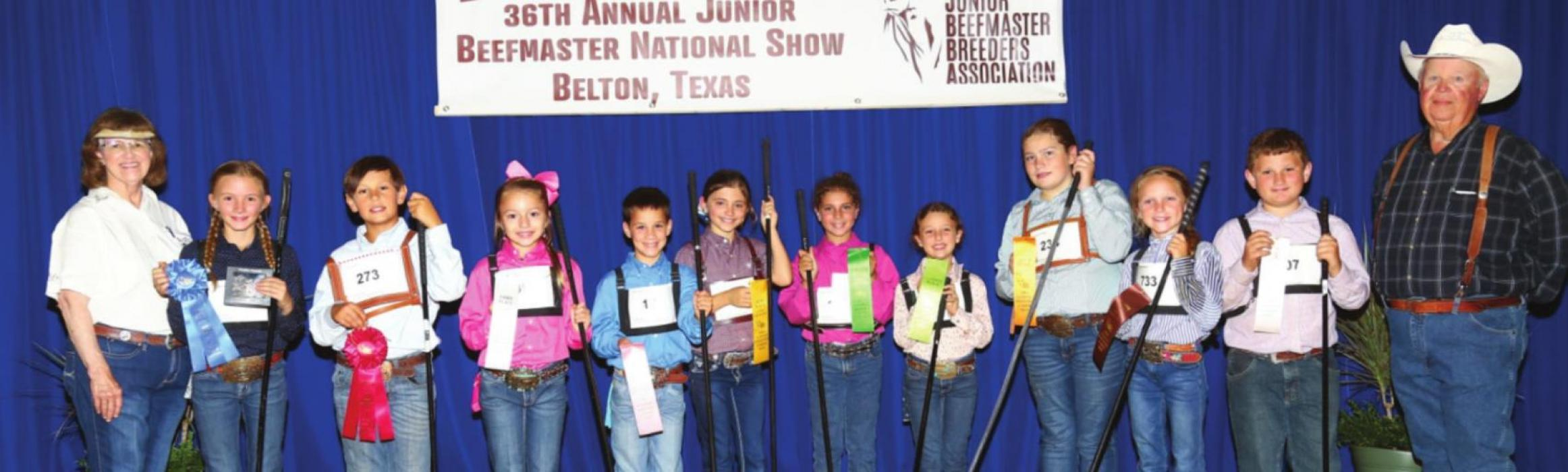 Top 10 Junior Showmanship winners with judge.